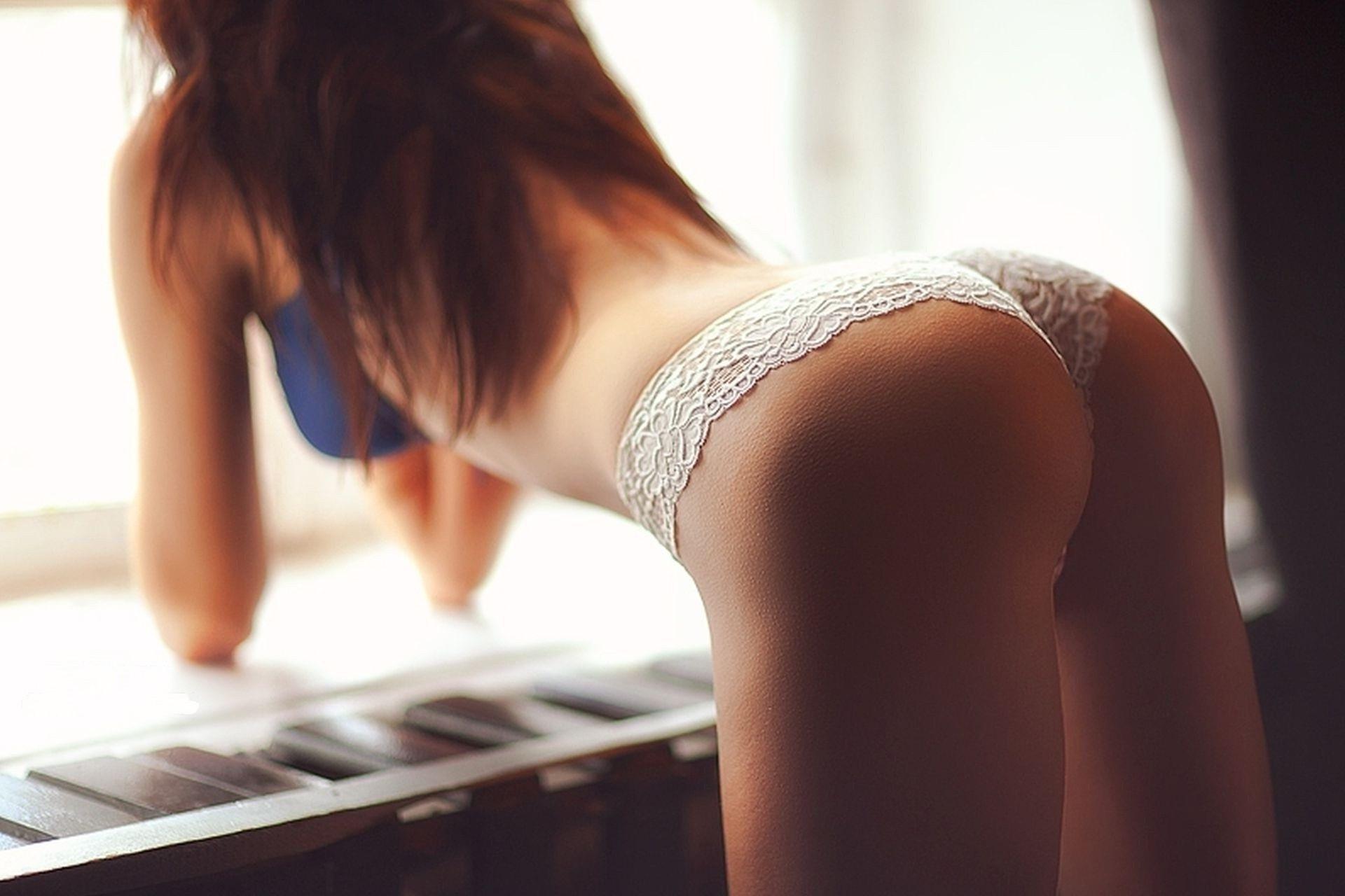 Фотка девушка в лифчике и трусиках без лица 9 фотография